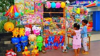 balita lucu belanja mainan anak balon membeli bola bola banyak warna imut lucu - Kids Shopping Toys