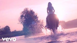 Смотреть клип Sofi Lapina - Gravity