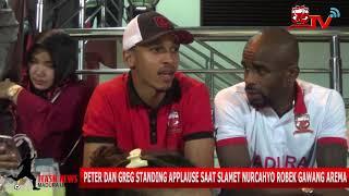 Video Peter Odemwingie dan Greg Nwokolo Standing Applause Saat Slamet Nurcahyo Robek Gawang Arema FC download MP3, 3GP, MP4, WEBM, AVI, FLV Desember 2017