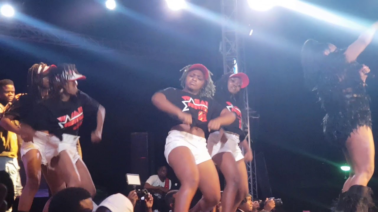 HATAREEE!! madada wakicheza katika WASAFI FESTIVAL 2018 Navy kenzo ft Diamond platinumz