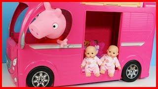 粉紅豬小妹開著芭比露營車玩具故事