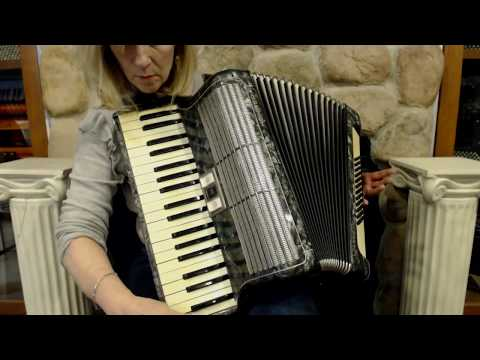3221 - Taupe Barrie Piano Accordion LM 41 120 $699 - YouTube