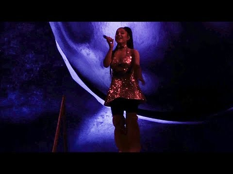 Ariana Grande - Dangerous Woman (Sweetener World Tour, Vancouver)