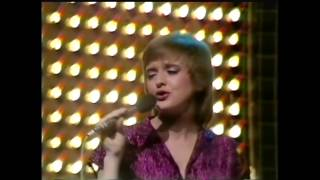 Download lagu The Nolans - I'm in the mood for dancing - Top of The Pops December 20th 1979