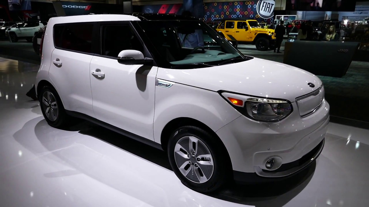New 2018 Kia Soul Ev Electric Plug In Vehicle Exterior Tour 2017 La Auto Show
