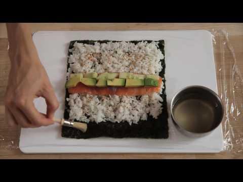 c'prêt-–-maki-saumon,-concombre-et-avocat