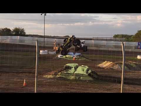 Marysville raceway monster truck tour 2018