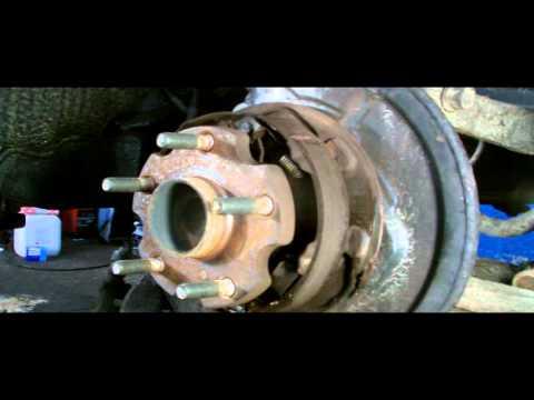 TOYOTA REAR WHEEL BEARING REMOVAL discs brake type
