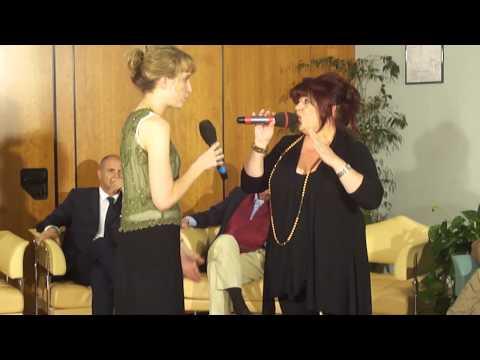 SARAH MCKENZIE live on italian tv