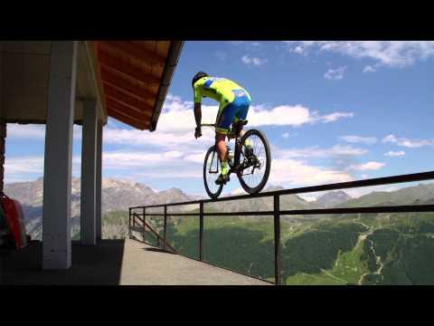 VIDEO: Krasse Tricks auf zwei Rädern