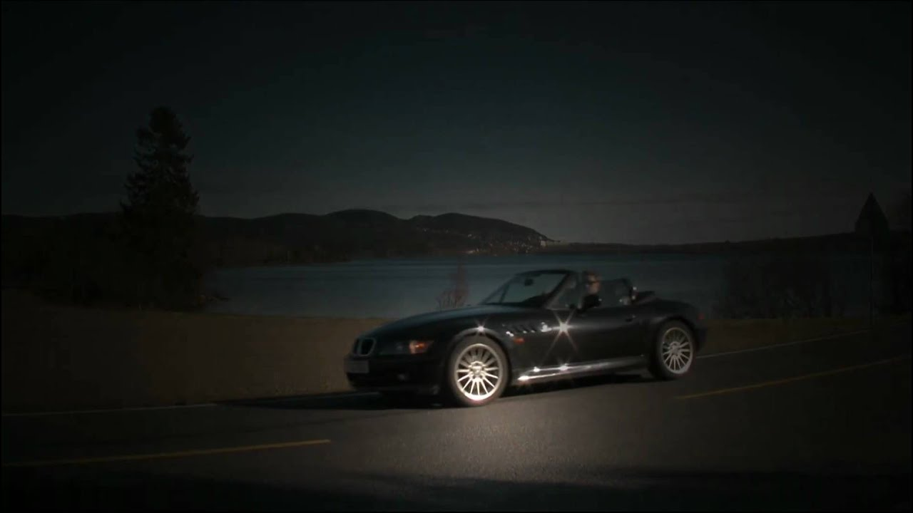 bmw z3 commercial makes driving fun youtube. Black Bedroom Furniture Sets. Home Design Ideas