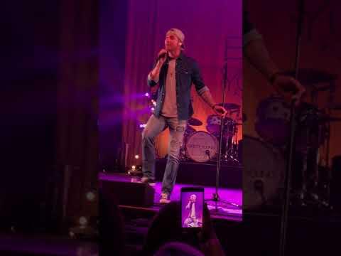 Brett Young - Live @ The Majestic, Detroit 12.1.17
