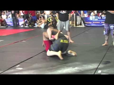 16-Man Pro, Rick Macauley vs. Jorge Santiago of American Top Team at Grapplers Quest 2005