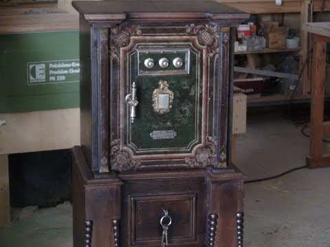 Antique Safe - Final appearance - Iron and Wood