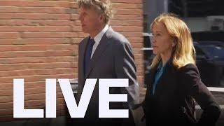 Baixar Felicity Huffman Arrives For College Admission Scam Hearing | ET Canada LIVE