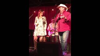 Johnny Lee and Daughter Sing Yellow Rose of Texas