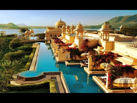 TOP 10 UNIQUE HOTEL STAYS IN INDIA