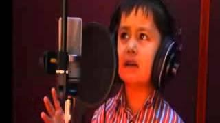 Узбекский 4х летний мальчик поет