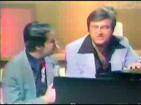 Frank Mills Music Box Dancer News Theme 1979 WNGE Nashville