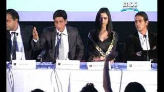 Shahrukh Khan at Premiere of Om Shanti Om in UK