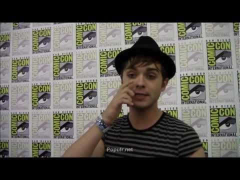 The Secret Circle Thomas Dekker Comic Con Interview