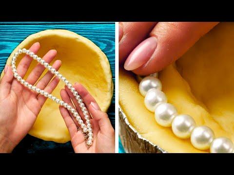 Вопрос: Как почистить жемчужное ожерелье?