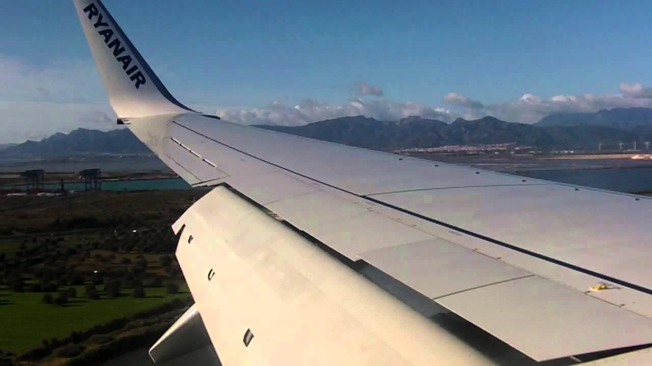 Ryanair Boeing 737-8AS landing at Cagliari Airport 09/02 ...