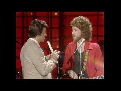 Dick Clark Interviews Bob Welch - American Bandstand 1982