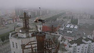 Танцовщица из Воронежа исполнила номер на крыше высотного здания