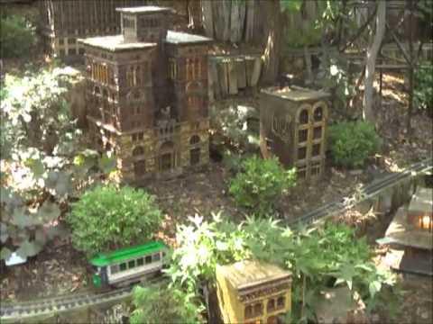 The Trains of Lauritzen Gardens, Omaha, NE - YouTube