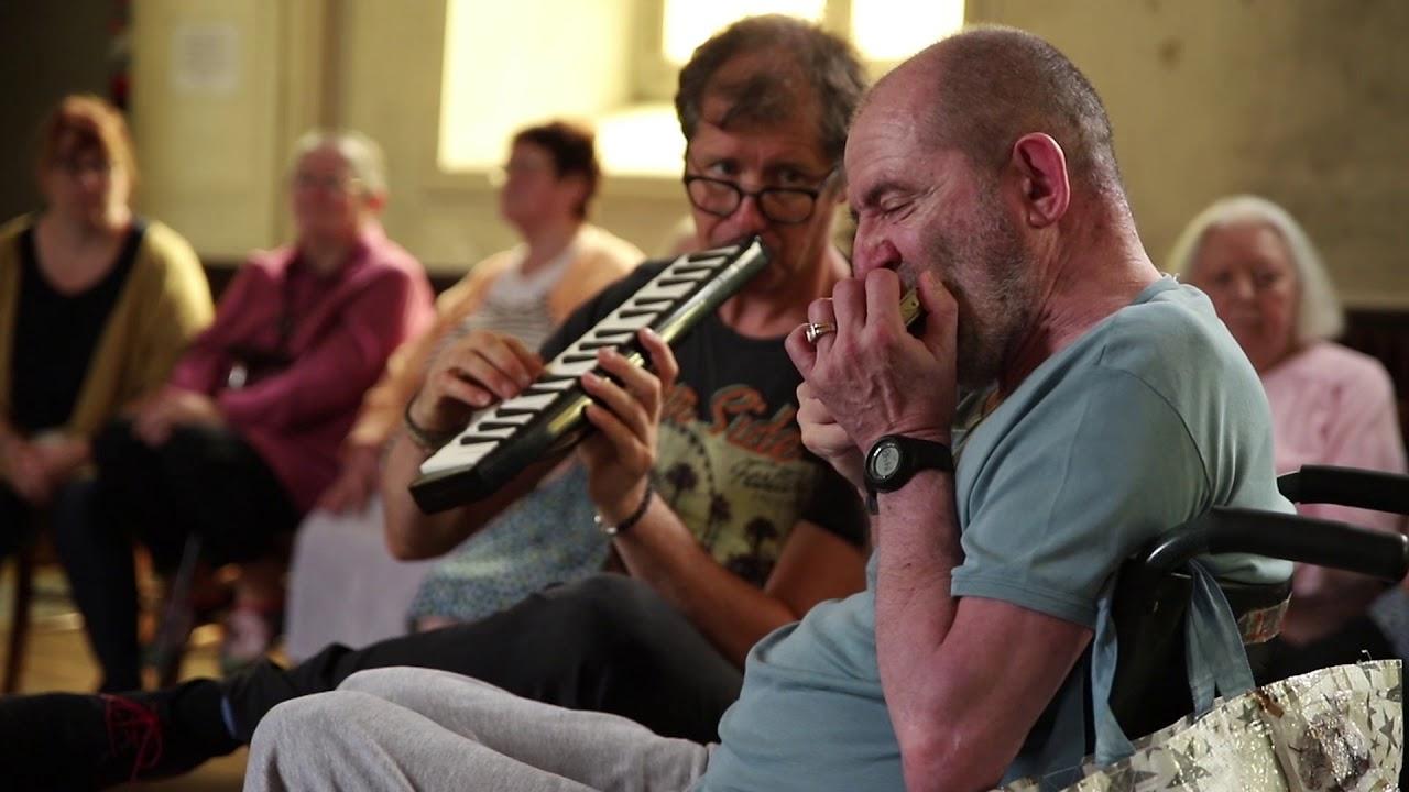 Atelier musical mené par Fred Pouget et Fabrice Favriou au Centre Hospitalier d'Excideuil