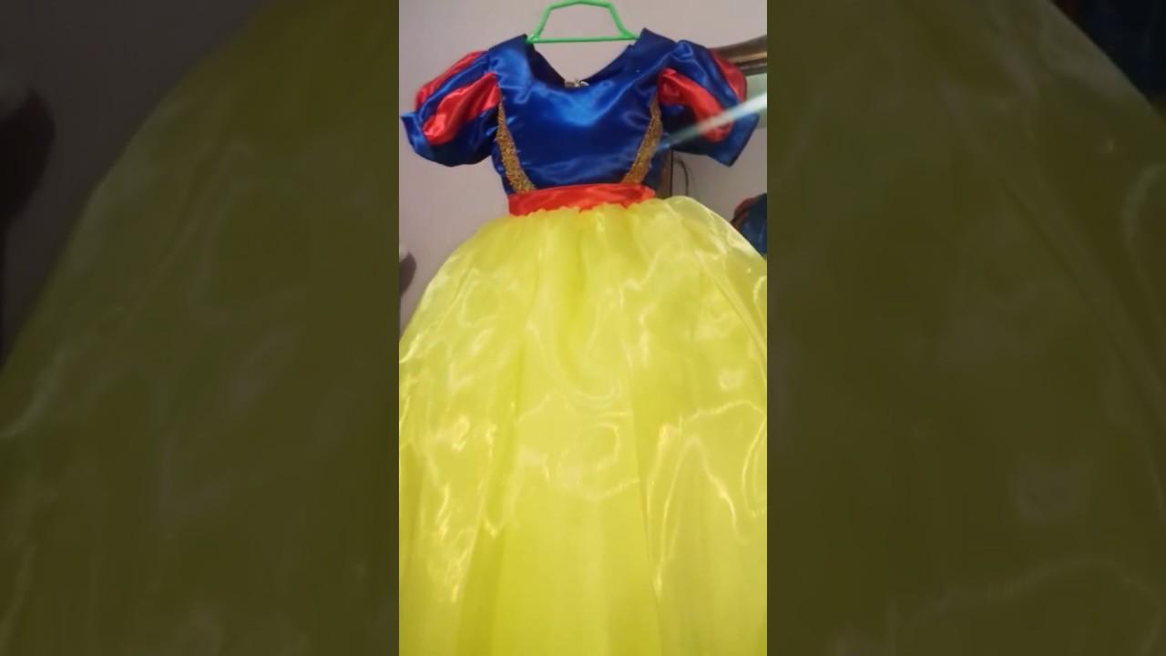 Vestido de blancanieves de reciclaje