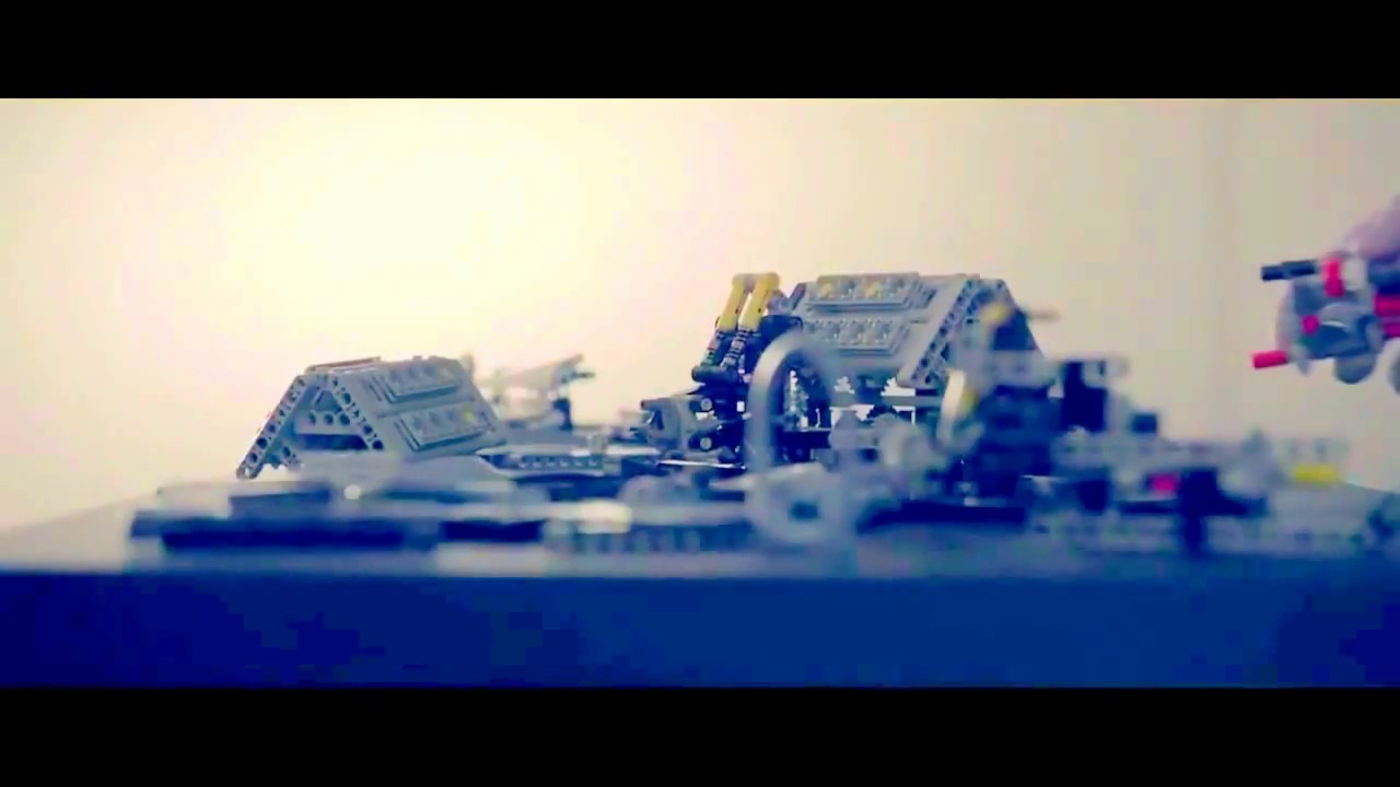 lego technic 42083 bugatti chiron first footage slow. Black Bedroom Furniture Sets. Home Design Ideas
