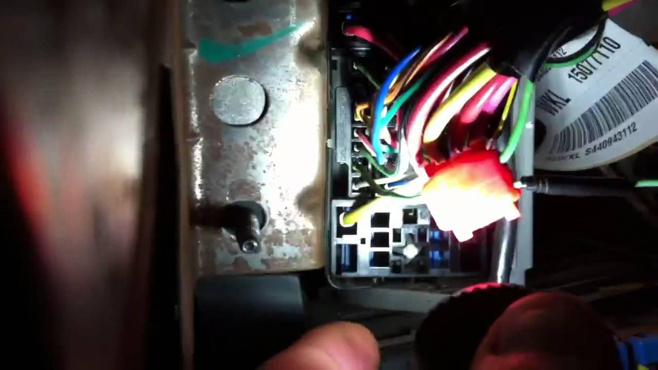 PAC SWIPS, Pin B31 GMC Sierra 2003 and up  YouTube