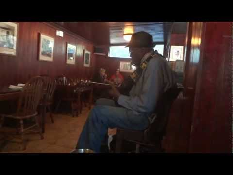Legendary Blues-man Willie Green @ the Yearling Restaurant