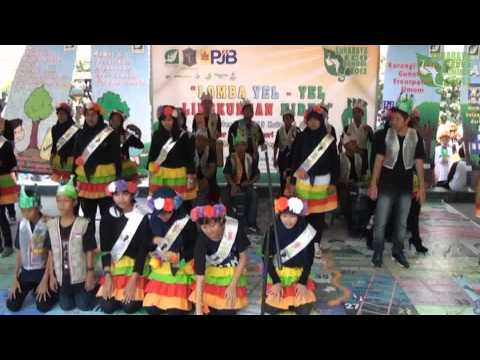 SMP Negeri 2 Surabaya - Lomba Yel Yel Lingkungan Hidup 2013