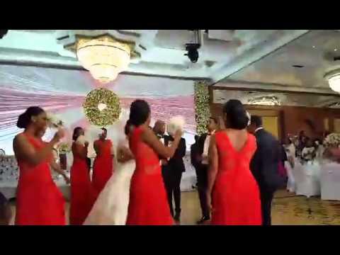 seifu fantahun wedding dancing with bridesmaids and