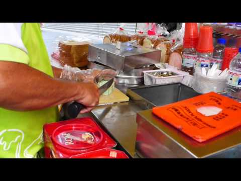 How To Make Ice Cream Sandwich At Orchard Road, Singapore. 面包冰淇淋