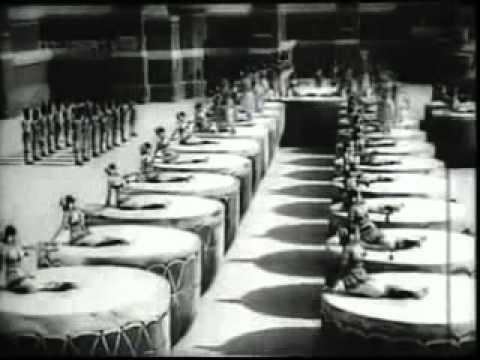 Drum Dance Gemini Chandralekha 1948. avi  ryesipatel