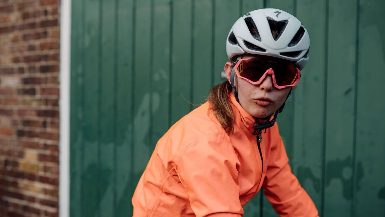 9f16ceb9e8d Unboxing the Specialized S-Works Evade II MIPS Helmet with ANGI   Sigma  Sports
