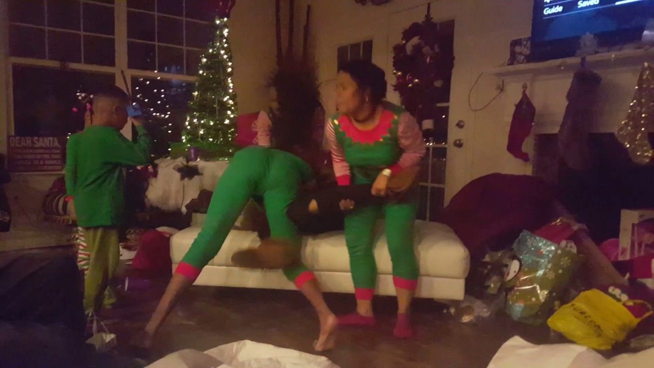 6f5461397a47ed Omg Family fighting on Christmas 201y - YouTube