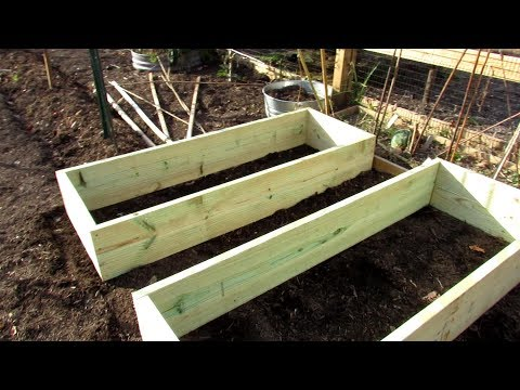 how-to-quickly-and-easily-build-a-raised-bed-for-your-vegetable-garden:-principles-&-potatoes