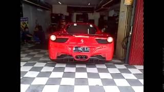 FERRARI IN JAKARTA mobil mewah banget nih cuy ternyata ada juga di Indonesia