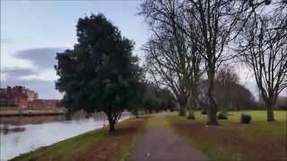 Vlogmas Day Sixteen: Twilight Walk, River Thames, Canal Boat and Takeaway Chips Thumbnail