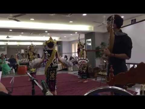 Datun Julud Dance and Sape' Music