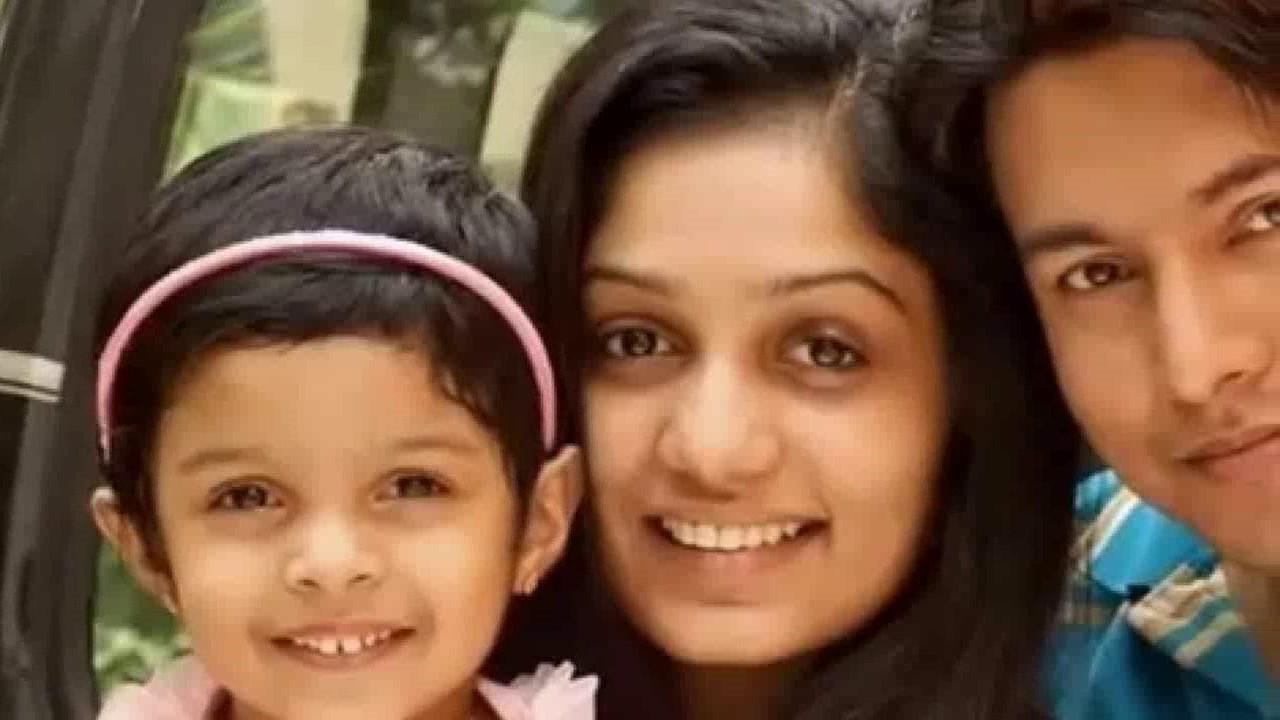Badai Banglow Arya With Real Life Family Husband Daughter Youtube