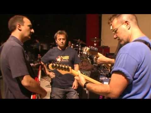 Resultado de imagen de Hombres G y El Canto del Loco concierto