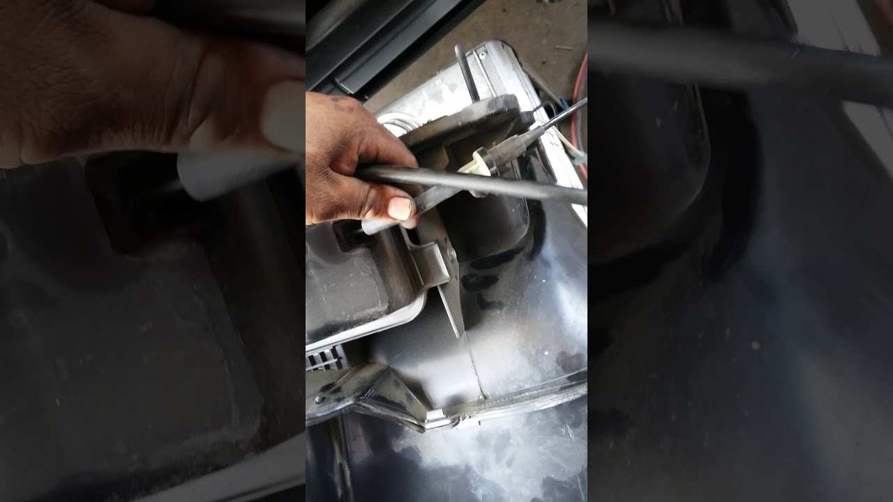 ford e350 e250 e150 vacuum reservoir location