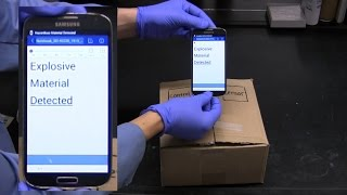 Detecting gases wirelessly with a smartphone