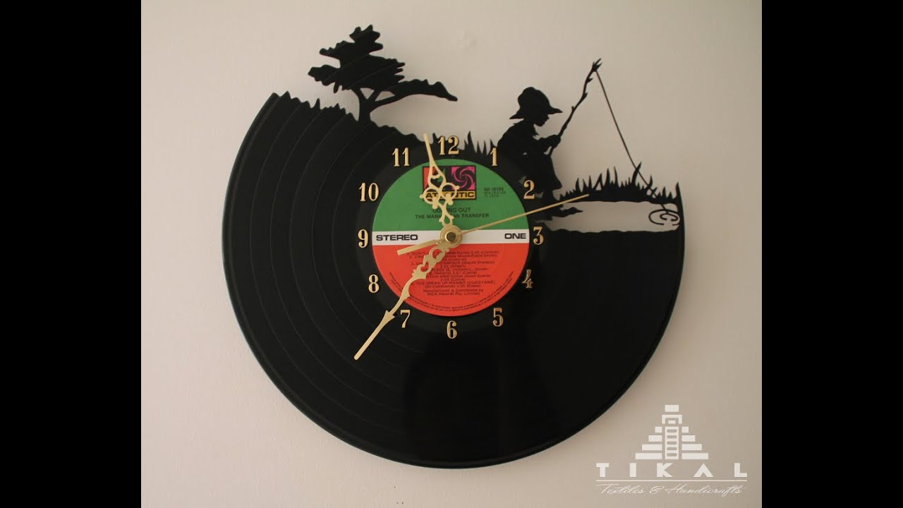 Hand carved vinyl record clock how it s made reloj de - Reloj de pared vinilo ...